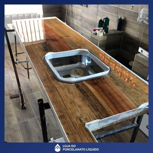 loja-porcelanato-liquido-3d-curitiba-mesa-resinada